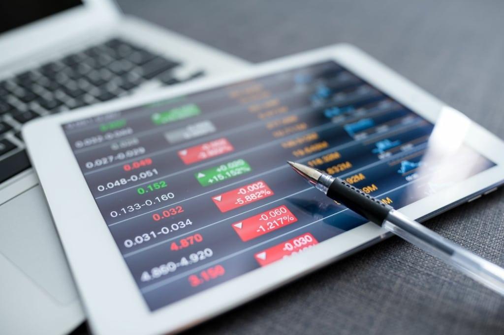 Mercado: Ibovespa registra baixa com notícias externas: dólar sobe