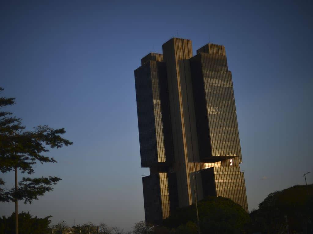 Banco Central (BC) eleva juros por causa da aceleração da inflação