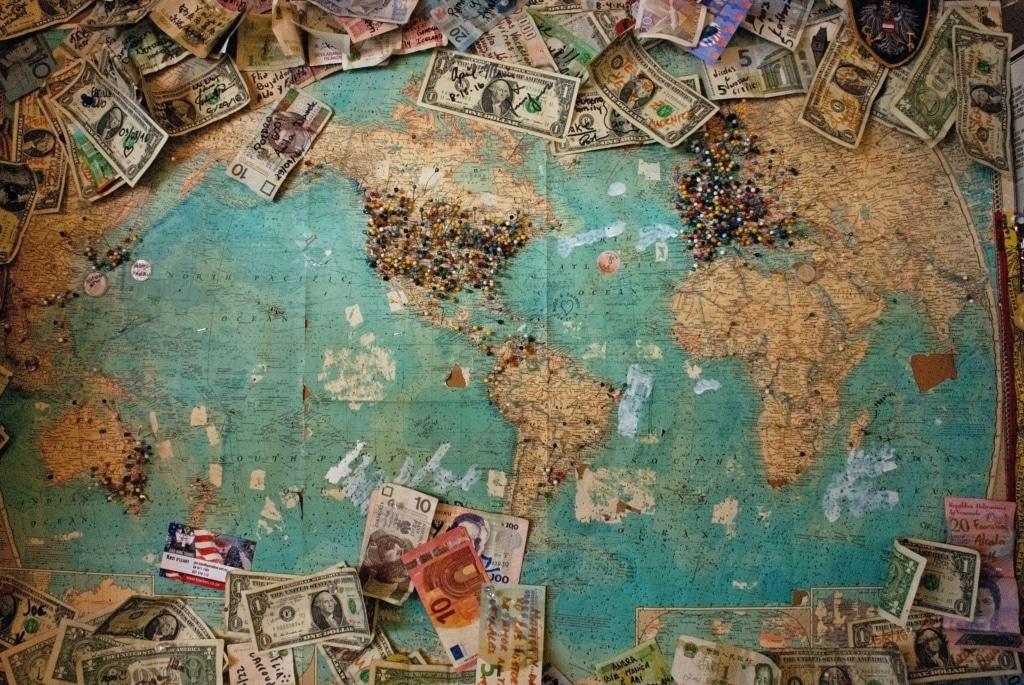 Há otimismo para recuperação da economia global, mas Brasil segue caminho inverso