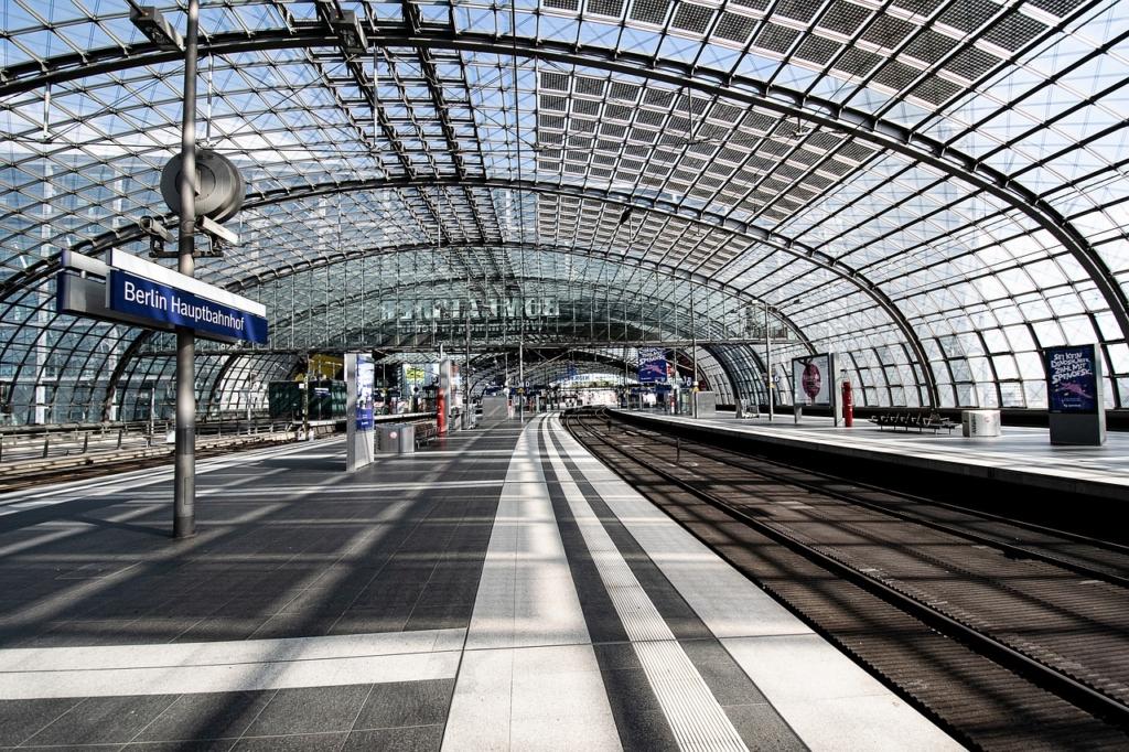 Estação Central de Berlin vazia