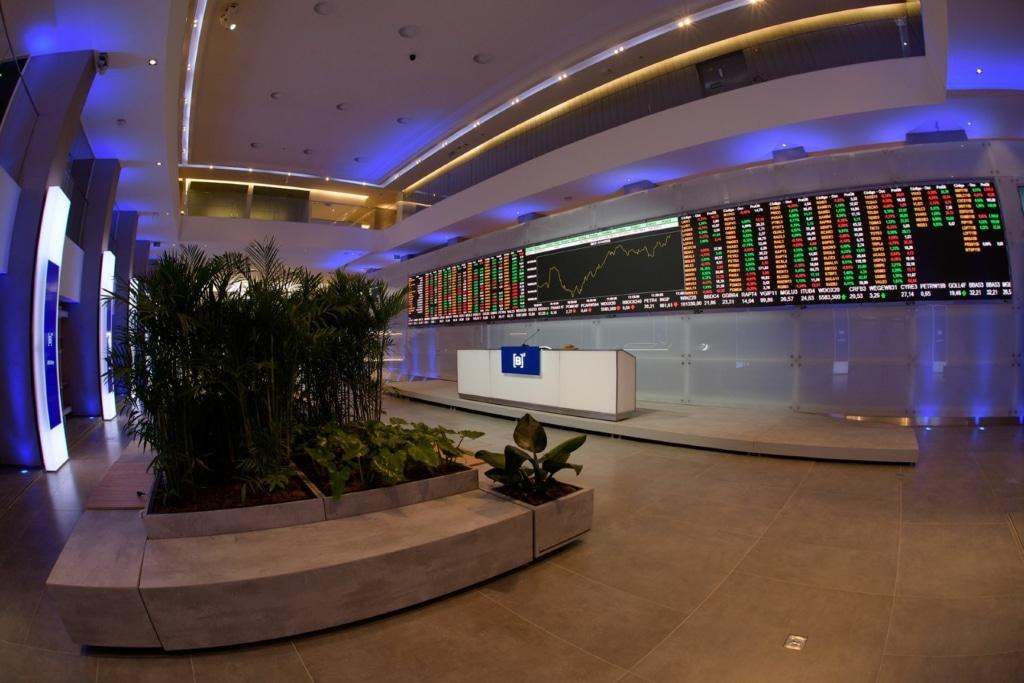 Mercado ao vivo: confira a Bolsa e o dólar nesta quarta-feira, 28