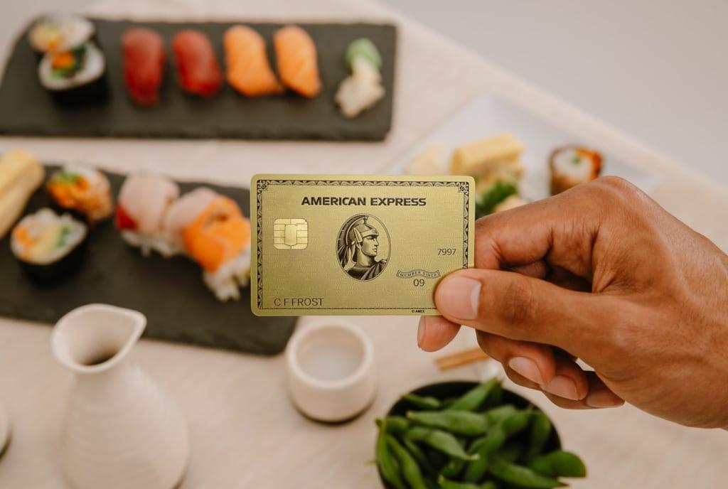 American Express registra lucro de US$ 2,2 bilhões no 1º trimestre e queda na receita