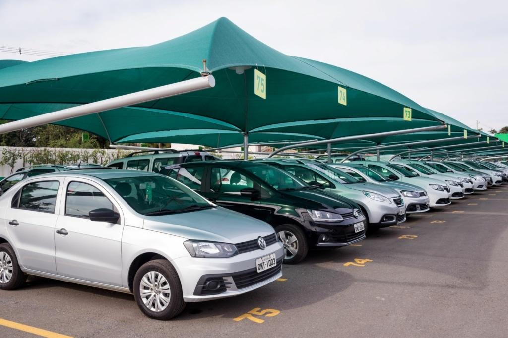Falta de carros novos gera crise para locadoras