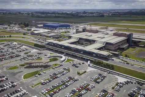 Leilão de 22 aeroportos gera R$ 33 bilhões para o governo federal